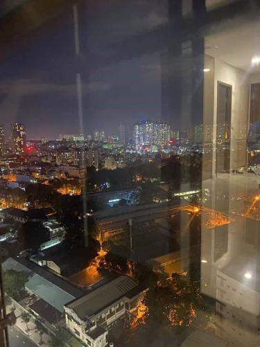 View Kingdom 101, Quận 10 Căn hộ Kingdom 101 tầng trung, ban công view thành phố.