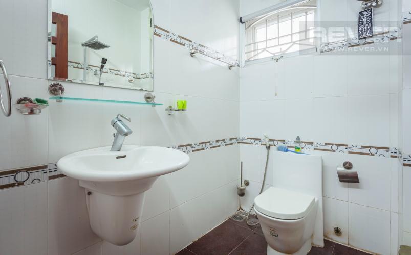 Phòng tắm Nhà phố 1 trệt 3 lầu đường Số 34 Bình An Quận 2