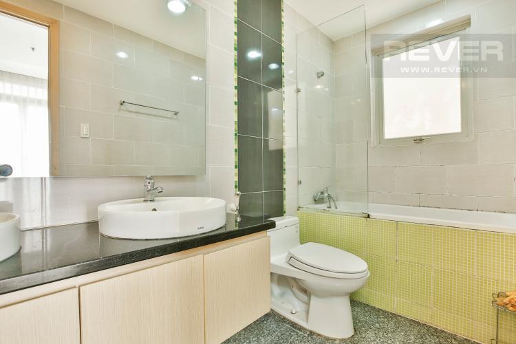 Toilet 1 Căn hộ Dragon Hill 2 tầng trung tháp B 3 phòng ngủ nội thất đầy đủ