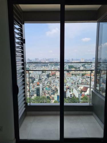 Ban công căn hộ 1PN Kingdom 101 Cho thuê căn hộ Kingdom 101,  tầng cao, diện tích 49.58m2, 1PN, ban công hướng Đông Nam