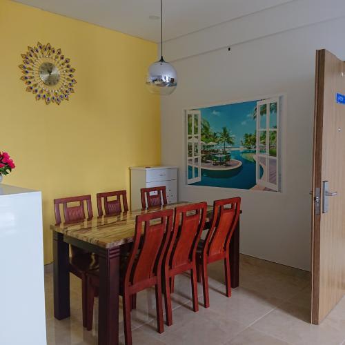 Bàn Ăn căn hộ Luxcity Căn hộ tầng cao Luxcity, ban công hướng Bắc nội thất đầy đủ