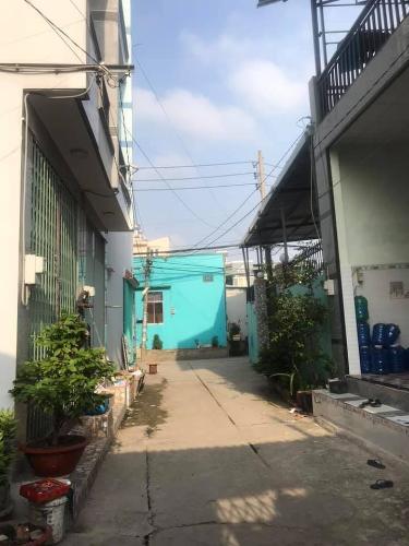 Hẻm nhà phố Tỉnh lộ 10, Bình Tân Nhà phố diện tích 96.9m2, nằm trong khu dân cư khép kín, yên tĩnh.