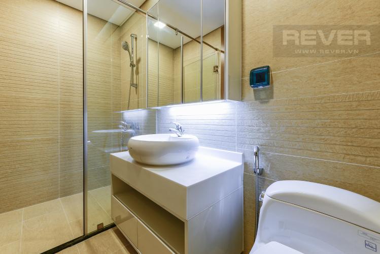 Phòng tắm 2 Căn hộ Vinhomes Central Park 2 phòng ngủ tầng cao P6 view Quận 1