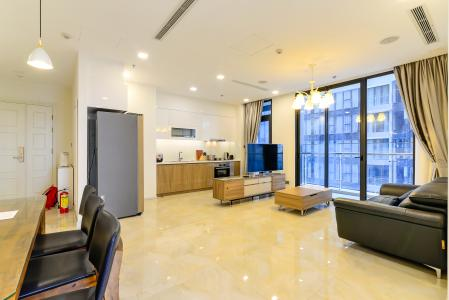 Cho thuê căn hộ Vinhomes Golden River 3PN, tầng cao, đầy đủ nội thất, view sông và Thủ Thiêm xanh mát