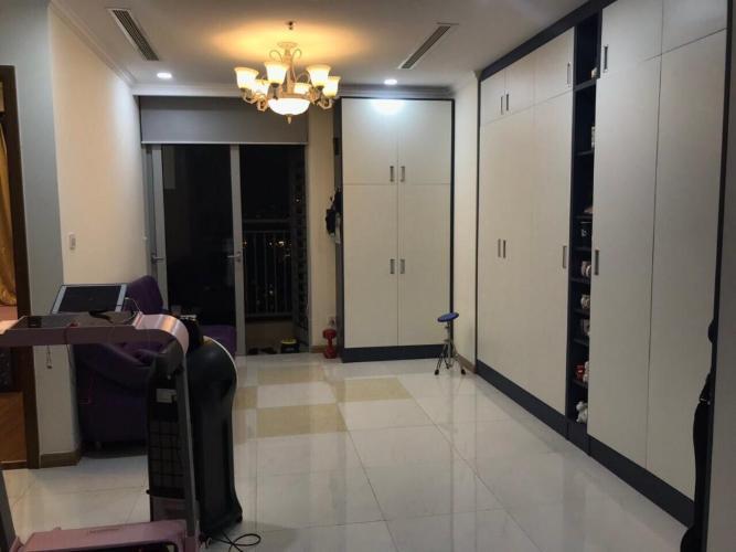Căn hộ Vinhomes Central Park tầng 21 thoáng mát, nội thất đầy đủ hiện đại