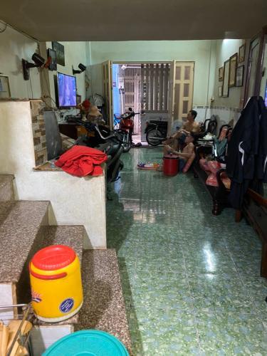 Bán nhà phố hẻm đường Tôn Thất Thuyết, phường 3, quận 4, diện tích đất 40.7m2, không có nội thất.