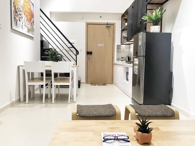 Bán căn hộ M-One Nam Sài Gòn 2 phòng ngủ, đầy đủ nội thất, thiết kế ban công nhỏ xinh