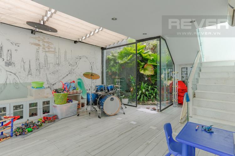 Phòng Giải Trí Căn hộ Duplex New Sài Gòn tầng cao tháp D1, 4 phòng ngủ, full nội thất