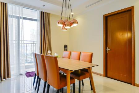 Căn hộ Vinhomes Central Park 3 phòng ngủ tầng thấp L2 full nội thất