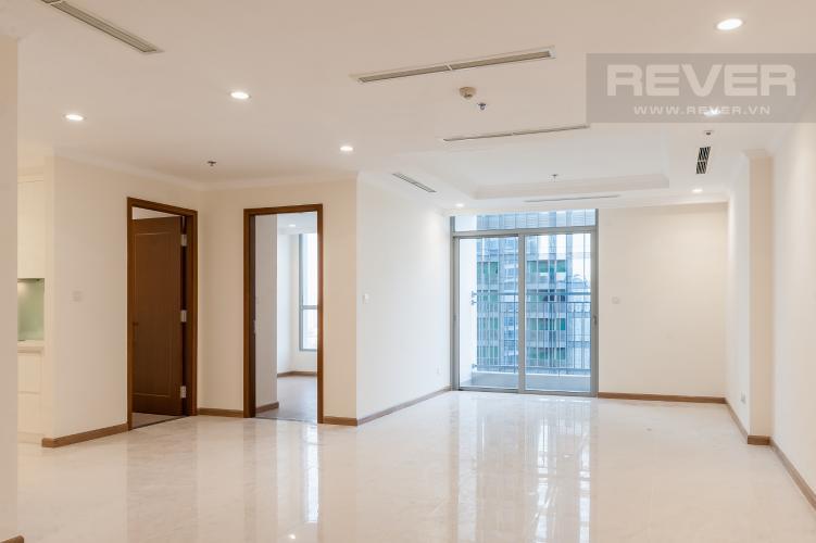 Phòng khách Căn góc Vinhomes Central Park tầng trung L2 nội thất cơ bản, view sông