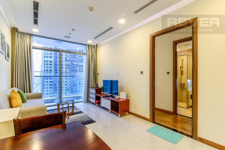 Phòng Khách Bán và cho thuê căn hộ Vinhomes Central Park tầng cao 2PN đầy đủ nội thất