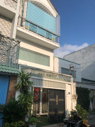 Mặt trước nhà phố phường Phú Hữu, Quận 9 Nhà phố 1 trệt 2 lầu hướng Đông Bắc - diện tích đất 54.6m2