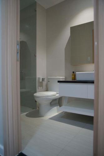 Phòng tắm Jamila Khang Điền, Quận 9 Căn hộ Jamila Khang Điền tầng cao, hướng Tây Nam view biệt thự.