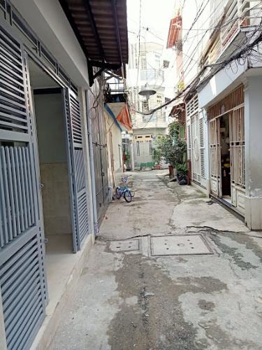 Hẻm nhà phố Gò Vấp Nhà phố Gò Vấp nội thất cơ bản, khu dân cư an ninh yên tĩnh.