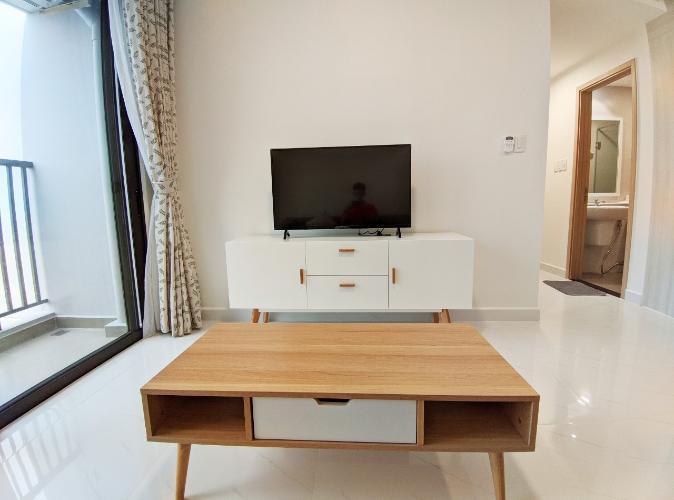 phòng khách Safira Khang Điền Bán căn hộ Safira Khang Điền sàn lót gỗ, nội thất cơ bản.