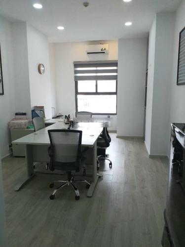 Office-tel Kingston Residence tầng 4, nội thất văn phòng cơ bản.
