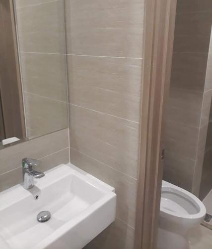 Toilet Vinhomes Grand Park Quận 9 Căn hộ Vinhomes Grand Park tầng cao và view thoáng mát.