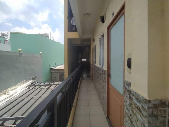 Ban công nhà phố Bến Phú Định, Quận 8 Nhà phố có dãy trọ cho thuê, hẻm xe hơi, trung tâm quận 8.