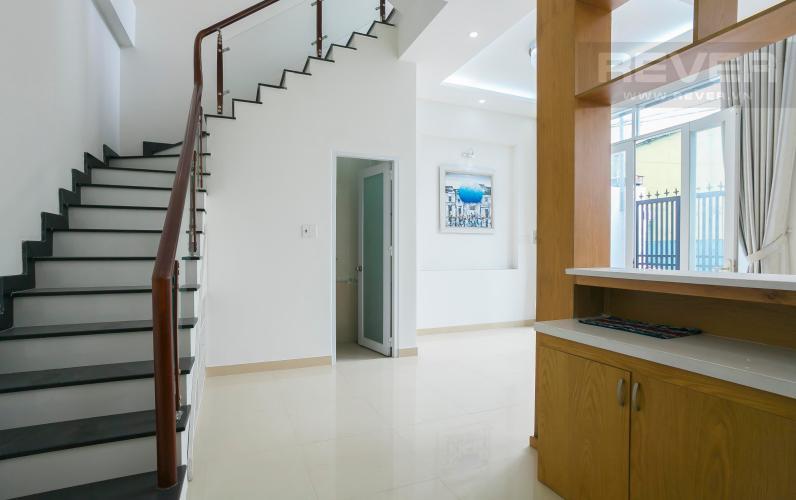 Góc Cầu Thang Nhà phố hẻm xe hơi đường Nguyễn Văn Giáp Quận 2