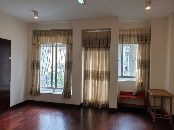 Phòng ngủ nhà Bình Chánh Nhà phố diện tích 5mx20m nội thất cơ bản, đường xe hơi thông thoáng.