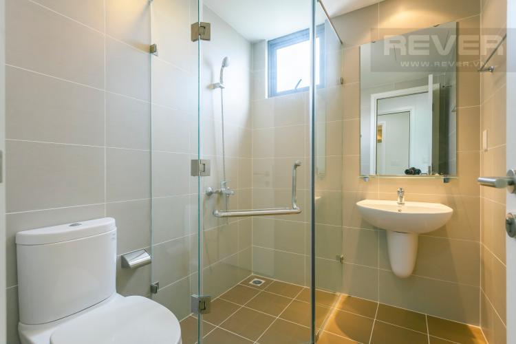 Phòng tắm Căn góc Masteri Thảo Điền tầng cao tháp T2 thoáng mát