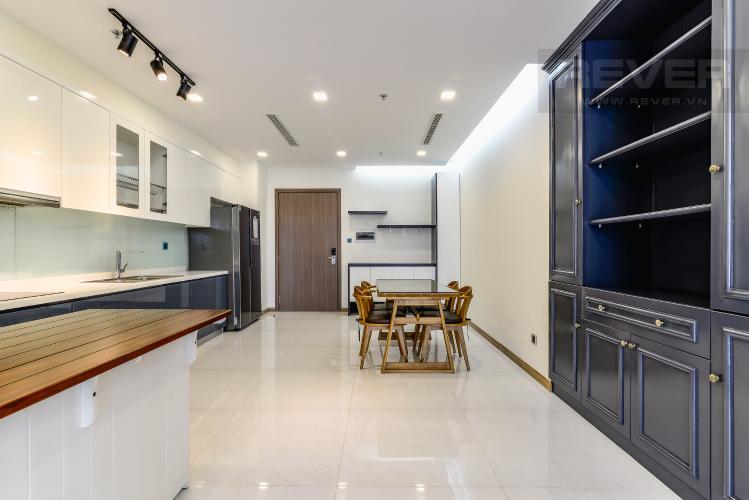 Khu Vực Bếp & Phòng Ăn Căn hộ Vinhomes Central Park 2 phòng ngủ tầng cao P4 hướng Tây Nam