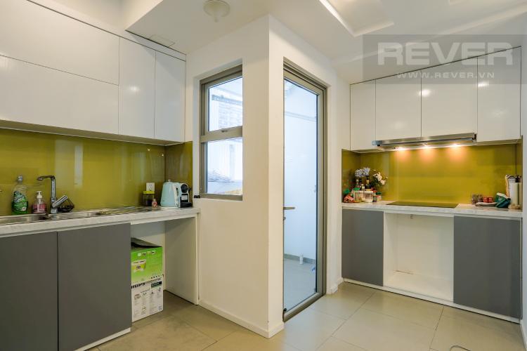Phòng Bếp và Lô Gia Căn hộ Riviera Point 3PN nội thất đầy đủ, có thể dọn vào ở ngay