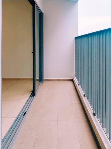 Ban công căn hộ HAUSNEO Bán căn hộ HausNeo 2PN, tầng 15, không nội thất, căn góc view thoáng