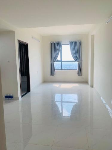 Phòng khách căn hộ Green River Căn hộ Green River hướng Đông Nam, view thành phố cực thoáng mát.