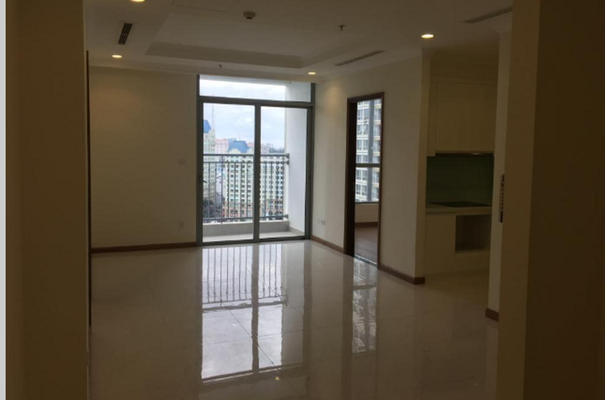 v Bán căn hộ officetel Vinhomes Central Park, tầng 15, tháp Landmark 3, không có nội thất, hướng Tây Nam