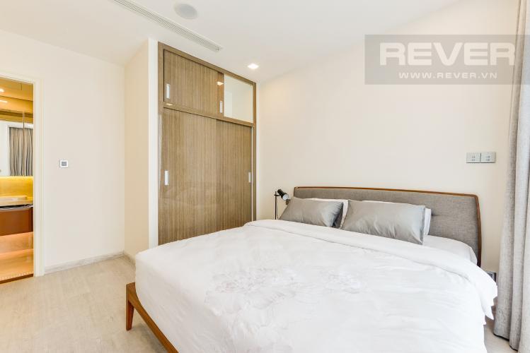 Phòng ngủ 1 Cho thuê căn hộ Vinhomes Golden River tầng cao, 2PN đầy đủ nội thất, view sông thoáng đãng