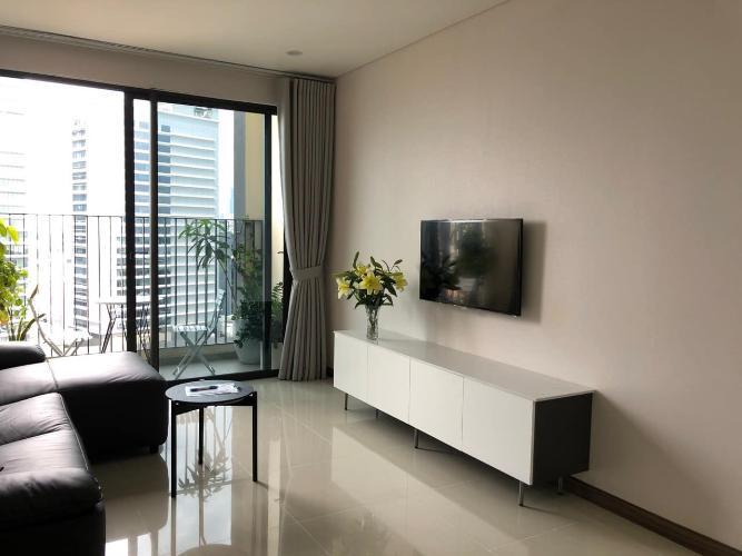 Căn hộ Hado Centrosa Garden tầng trung, nội thất đầy đủ.