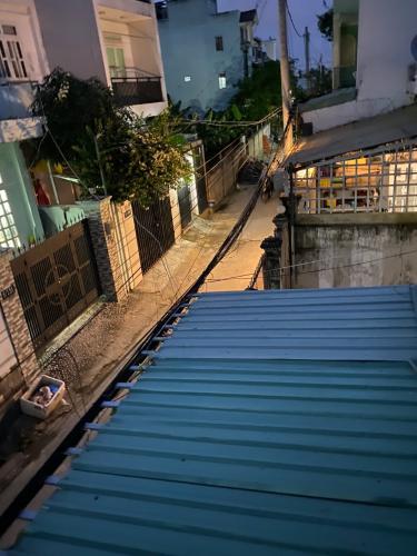 Hẻm nhà phố đường Số 20, Thủ Đức Nhà phố Thử Đức hướng Nam diện tích đất 60m2, nội thất đầy đủ.