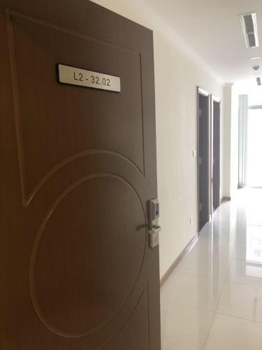 Cho thuê căn hộ 1 phòng ngủ Vinhomes Central Park, diện tích 53.4m2, thiết kế hiện đại, dọn vào ở ngay.