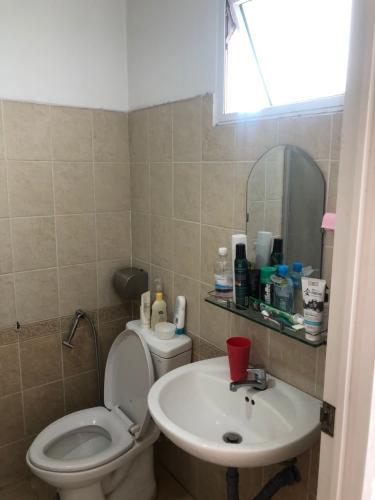 Phòng tắm căn hộ Sunview Town Căn hộ Sunview Town nội thất cơ bản, hướng cửa Đông Nam.