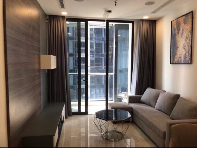 Bán căn hộ Vinhomes Golden River tầng cao, diện tích 49,5m2 - 1 phòng ngủ, nội thất đầy đủ.