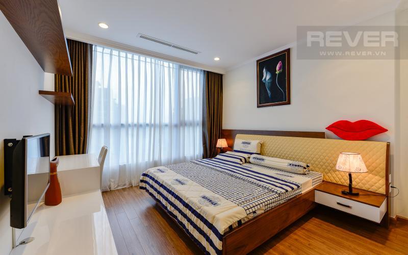 Phòng ngủ 1 Căn hộ The Central Vinhomes Central Park tầng cao hướng Đông Nam tháp C2