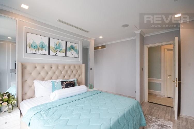 Phòng Ngủ 2 Cho thuê căn hộ Vinhomes Golden River 4PN, tầng cao, đầy đủ nội thất, view trực diện sông Sài Gòn