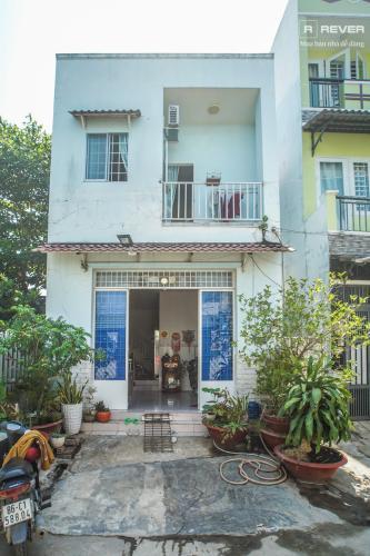 Mặt tiền nhà phố Nhà Bè Bán nhà 2 tầng đường Đào Sư Tích, Nhà Bè, thổ cư 80m2, nội thất cơ bản, cách đường Nguyễn Bình 1km