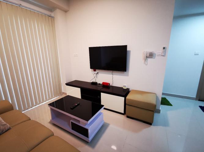 Phòng khách căn hộ The Sun Avenue, Quận 2 Căn hộ The Sun Avenue hướng cửa Đông Nam, đầy đủ nội thất.