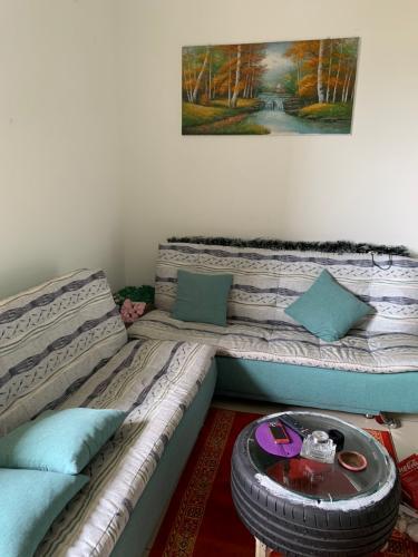 Phòng khách căn hộ Hausneo, Quận 9 Căn hộ Hausneo bàn giao đầy đủ nội thất, ban công hướng Tây Bắc.