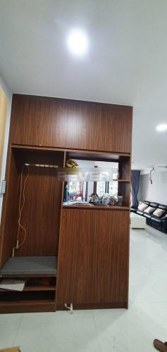 Căn hộ Celadon City, Tân Phú Căn hộ Celadon City tầng thấp, nội thất gỗ cơ bản.