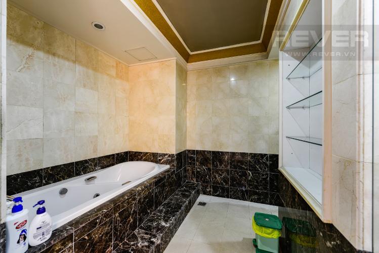 Phòng tắm 1 Penthouse The Manor 4 phòng ngủ tầng cao AW nội thất đầy đủ