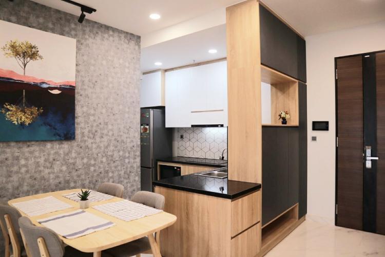 Căn hộ Phú Mỹ Hưng Midtown đầy đủ nội thất, ban công thoáng mát.