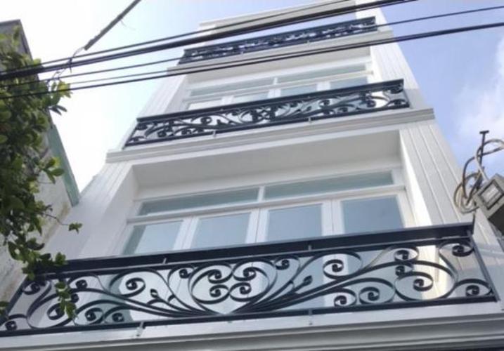 Bán nhà phố 3 tầng nội thất cơ bản, hẻm xe máy đường Lê Quang Định