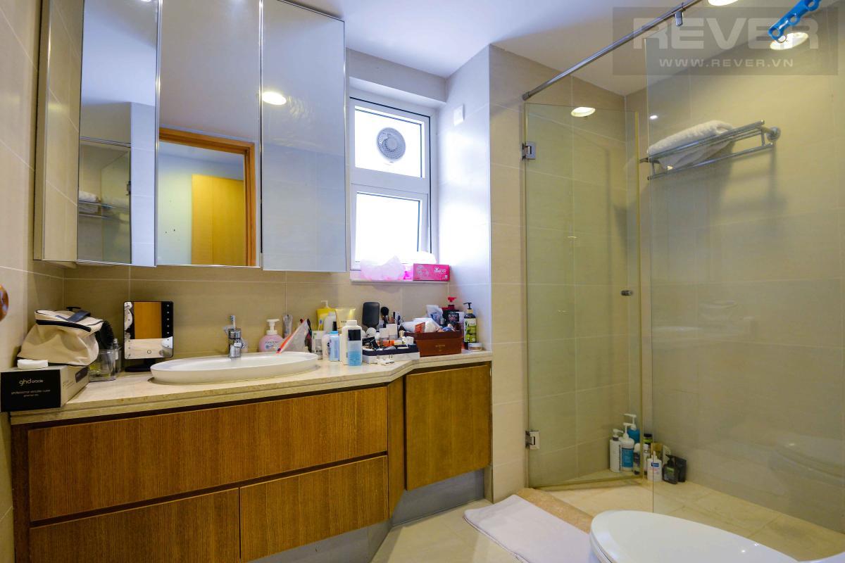 bathroom1 Bán hoặc cho thuê căn hộ Saigon Pearl 3PN, tầng cao, tháp Sapphire 1, đầy đủ nội thất, view sông và thành phố