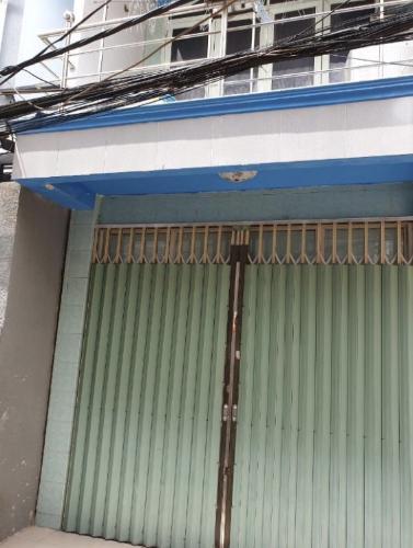 Bán nhà phố Tôn Thất Thuyết, Q4 diện tích 3.23x13.3m, dân cư sầm uất, gần chợ thuận tiện kinh doanh.