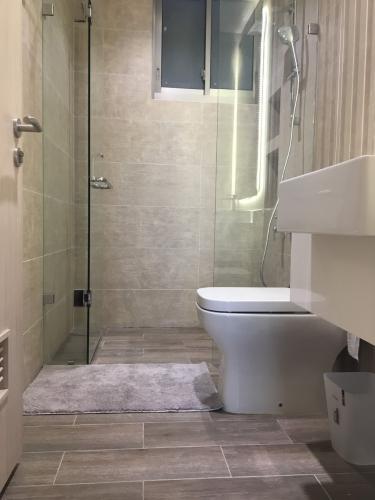Toilet căn hộ PHÚ MỸ HƯNG MIDTOWN Cho thuê căn hộ Phú Mỹ Hưng Midtown 2PN, diện tích 89m2, đầy đủ nội thất, view toàn cảnh Phú Mỹ Hưng