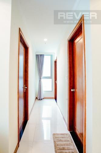 Lobby Bán căn hộ Vinhomes Central Park hướng Tây Bắc, 103m2 2PN 2WC, nội thất cao cấp, view thành phố