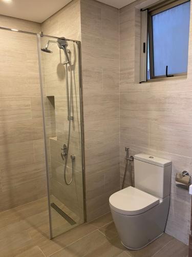 Nhà vệ sinh căn hộ Midtown  Căn hộ Phú Mỹ Hưng Midtown nội thất sang trọng, view thành phố.